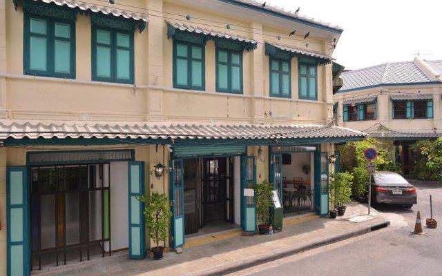 Neighbor Phuthon Boutique Hostel Бангкок вид на фасад