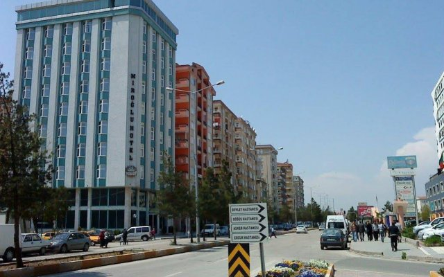 Miroglu Hotel вид на фасад