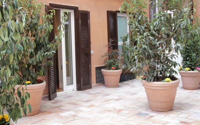 Отель Ingrami Suites Италия, Рим - 1 отзыв об отеле, цены и фото номеров - забронировать отель Ingrami Suites онлайн вид на фасад