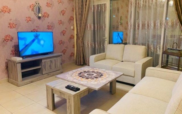 Отель Downtown 2bedroom Holidays R Us Дубай комната для гостей