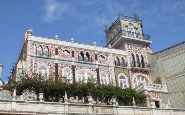 Отель Palacete Chafariz D'El Rei вид на фасад