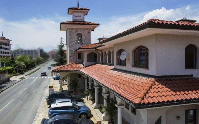 Отель Selena Complex парковка