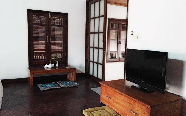Отель B'Lan house комната для гостей