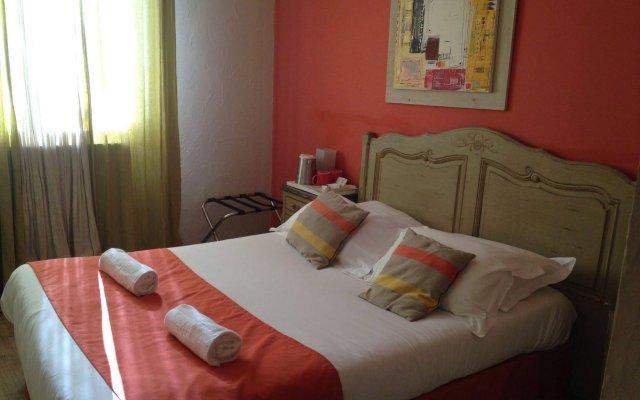 Отель Hôtel Côté Patio комната для гостей