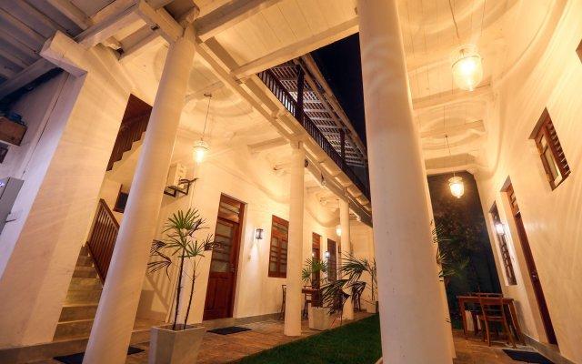 Отель Knight Inn Шри-Ланка, Галле - отзывы, цены и фото номеров - забронировать отель Knight Inn онлайн вид на фасад