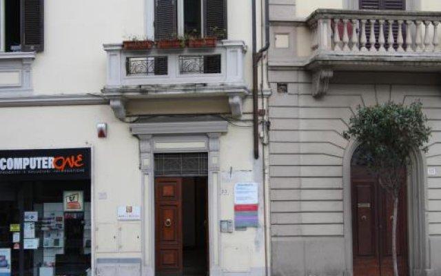 Отель B&B La Traccia Ареццо вид на фасад
