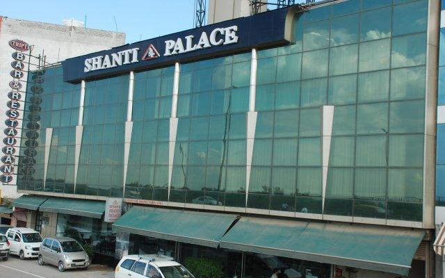 Отель Shanti Palace Индия, Нью-Дели - отзывы, цены и фото номеров - забронировать отель Shanti Palace онлайн вид на фасад
