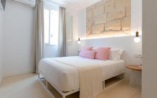 Отель LLONGA'S 11th Испания, Сьюдадела - отзывы, цены и фото номеров - забронировать отель LLONGA'S 11th онлайн комната для гостей