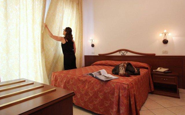Отель SOVRANA Римини комната для гостей