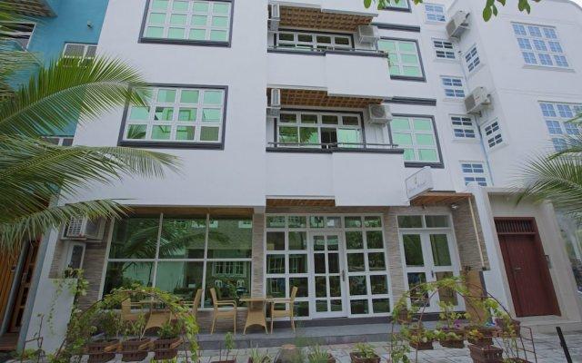 Отель Travel Lodge Maldives Мале вид на фасад