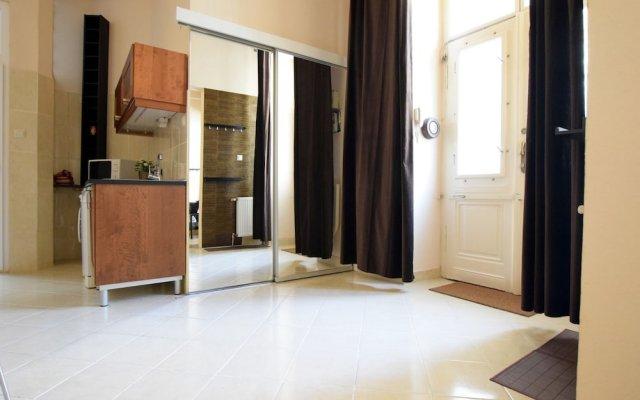 Отель Standard Apartment by Hi5 - Mérleg 9. Венгрия, Будапешт - отзывы, цены и фото номеров - забронировать отель Standard Apartment by Hi5 - Mérleg 9. онлайн