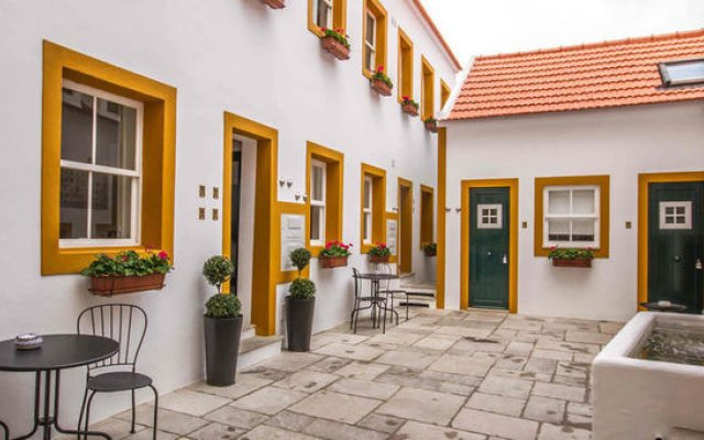 Отель Imperium Lisbon Village вид на фасад