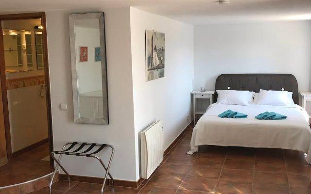 Отель Casa Mallarenga B&B Испания, Оливелла - отзывы, цены и фото номеров - забронировать отель Casa Mallarenga B&B онлайн комната для гостей