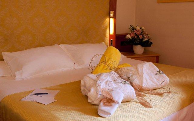 Отель Radisson Blu Resort, Terme di Galzignano Италия, Региональный парк Colli Euganei - 1 отзыв об отеле, цены и фото номеров - забронировать отель Radisson Blu Resort, Terme di Galzignano онлайн комната для гостей