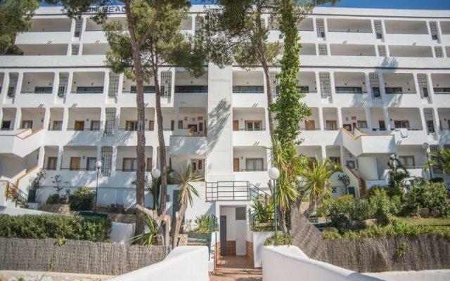 Отель Sun Beach - Только для взрослых вид на фасад