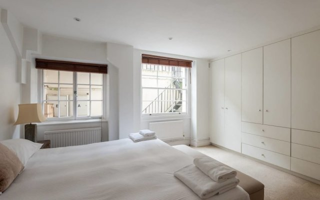 Отель Fantastic 2 Bedroom Flat in the Heart of London Лондон комната для гостей