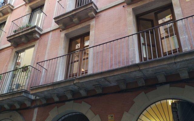 Отель Classbedroom Port Ramblas Испания, Барселона - отзывы, цены и фото номеров - забронировать отель Classbedroom Port Ramblas онлайн вид на фасад