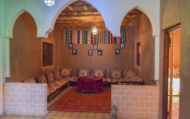 Отель Dar Nadia Bendriss Марокко, Уарзазат - отзывы, цены и фото номеров - забронировать отель Dar Nadia Bendriss онлайн вид на фасад