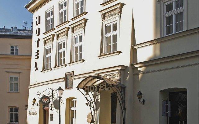Отель Amadeus Краков вид на фасад
