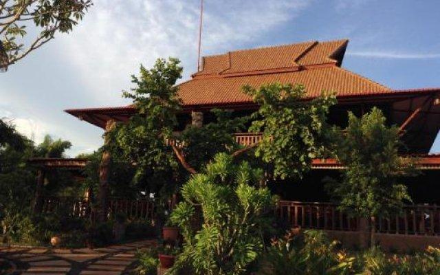 Ratanak Resort