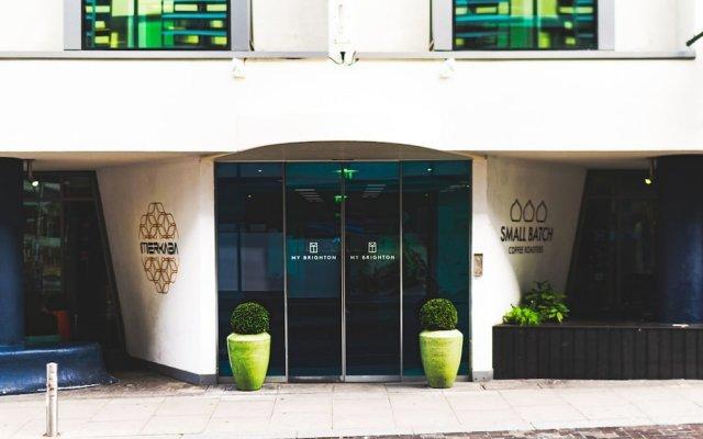Отель My Brighton вид на фасад