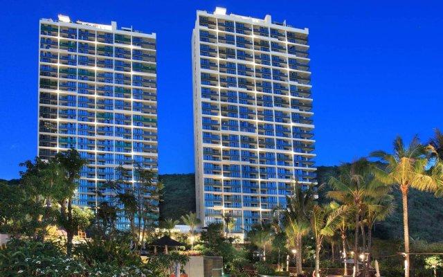 Отель Serenity Coast All Suite Resort Sanya вид на фасад