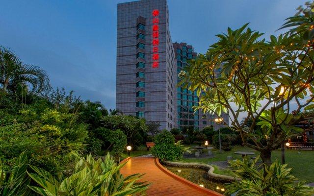 Отель Crowne Plaza Foshan вид на фасад
