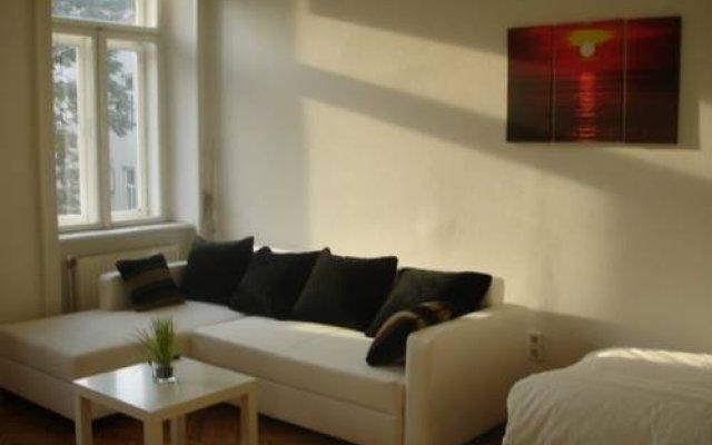 Апартаменты Vienna-apartment-one Halbgasse Вена комната для гостей