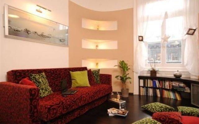Отель Broadway Luxury Suite Венгрия, Будапешт - отзывы, цены и фото номеров - забронировать отель Broadway Luxury Suite онлайн интерьер отеля