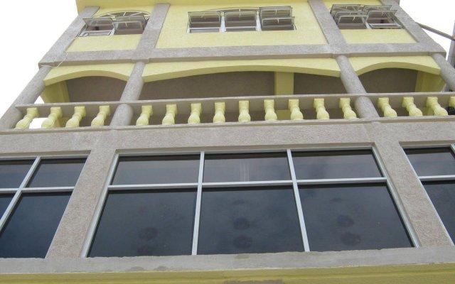 Отель Kanhai's Center of Excellence Гайана, Джорджтаун - отзывы, цены и фото номеров - забронировать отель Kanhai's Center of Excellence онлайн вид на фасад