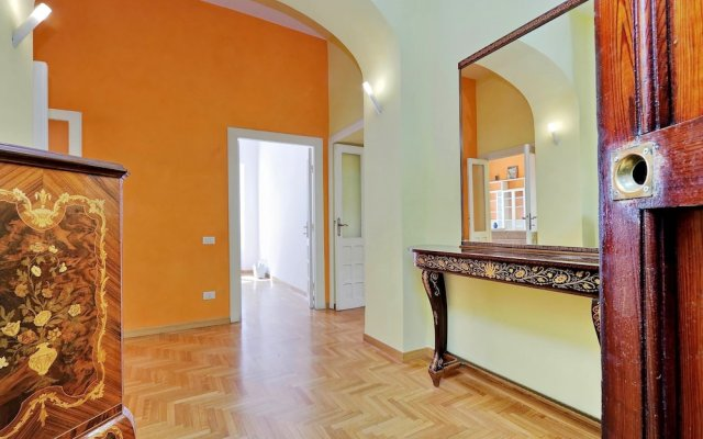Colorful and vivid bright two-bedroom (120sqm) Halldis apartment