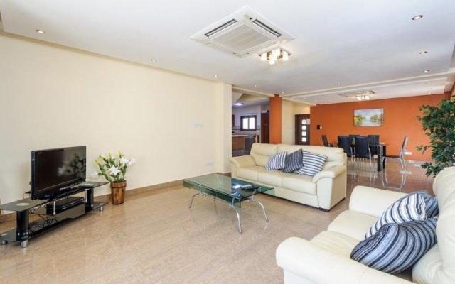 Отель Artemis Villa Кипр, Протарас - отзывы, цены и фото номеров - забронировать отель Artemis Villa онлайн комната для гостей