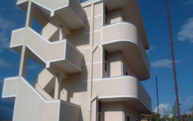 Отель Guesthouse Pollo Албания, Ксамил - отзывы, цены и фото номеров - забронировать отель Guesthouse Pollo онлайн вид на фасад