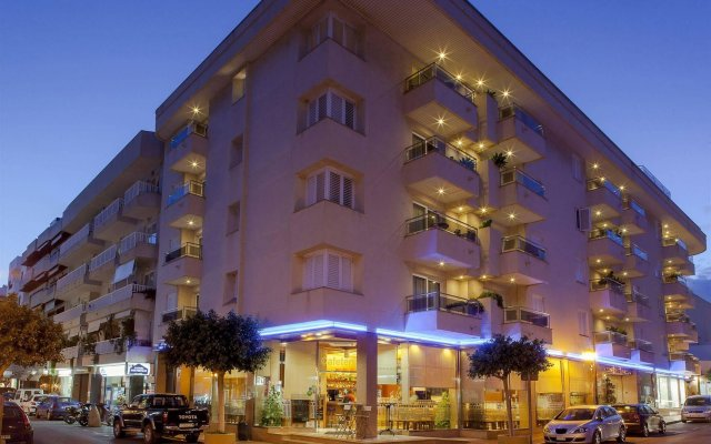 Отель Duquesa Playa вид на фасад