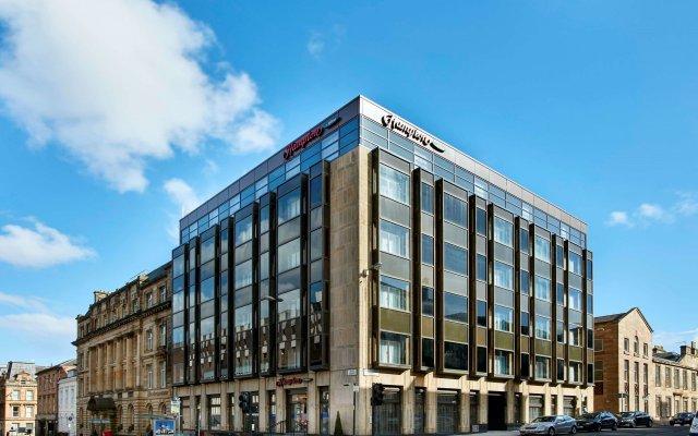 Отель Hampton by Hilton Glasgow Central вид на фасад