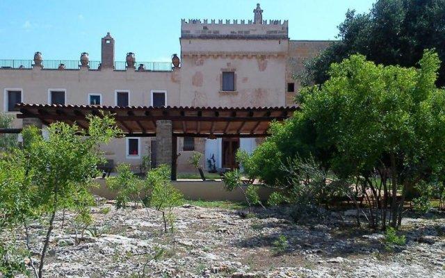 Отель Masseria Alcaini Лечче вид на фасад