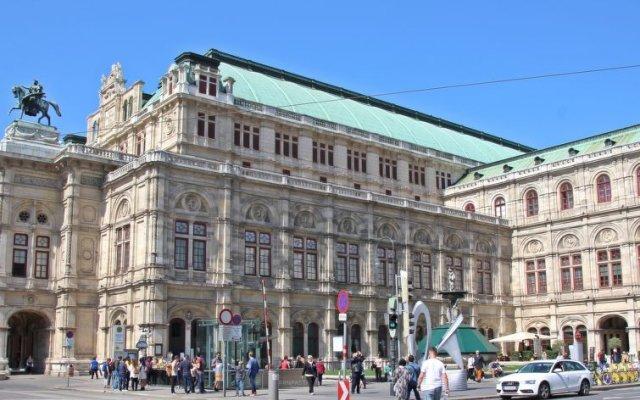 Отель Auersperg вид на фасад
