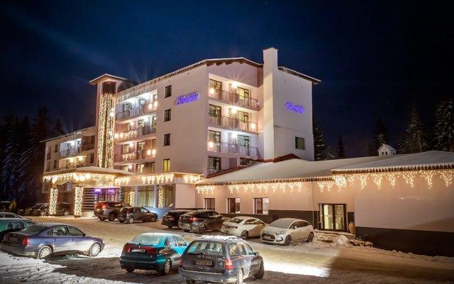 Отель Belmont Ski & Spa Болгария, Пампорово - отзывы, цены и фото номеров - забронировать отель Belmont Ski & Spa онлайн вид на фасад