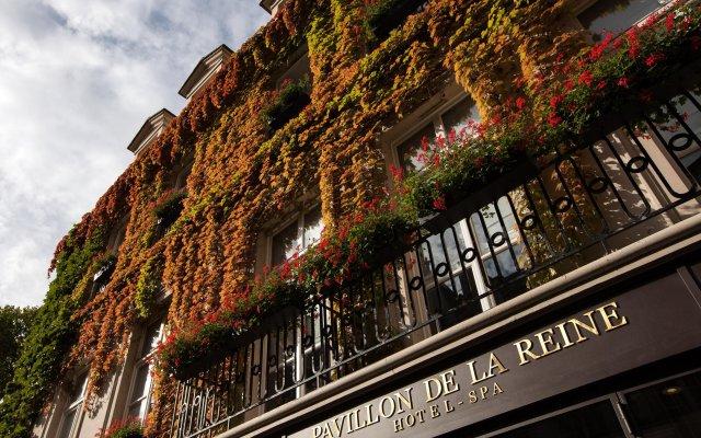 Отель Le Pavillon de la Reine Франция, Париж - отзывы, цены и фото номеров - забронировать отель Le Pavillon de la Reine онлайн вид на фасад