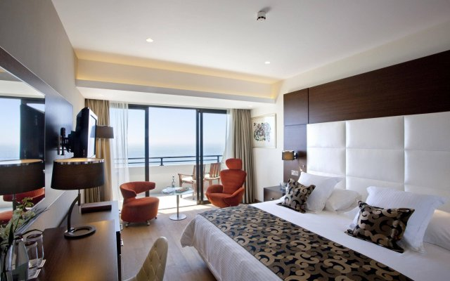 Amathus Beach Hotel in Limassol, Cyprus from 496$, photos, reviews - zenhotels.com guestroom