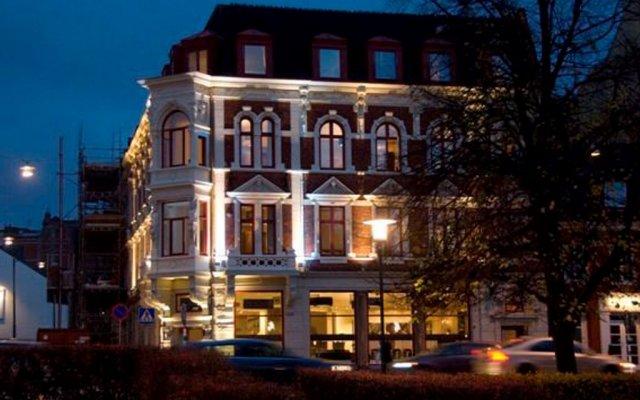 Hotel Duxiana вид на фасад