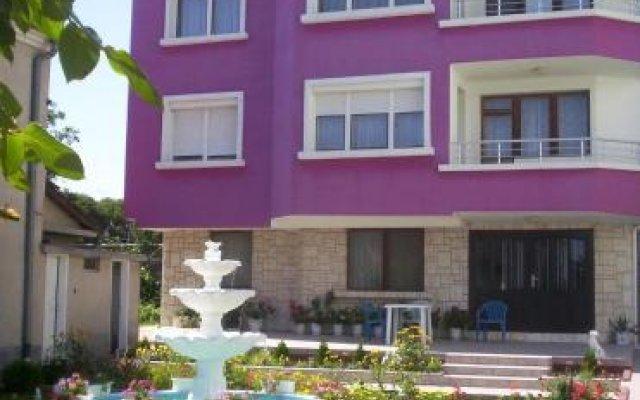 Отель Sunny Home Relax Guest House Бургас вид на фасад