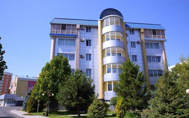 Отель Золотой Дракон Кыргызстан, Бишкек - 9 отзывов об отеле, цены и фото номеров - забронировать отель Золотой Дракон онлайн вид на фасад
