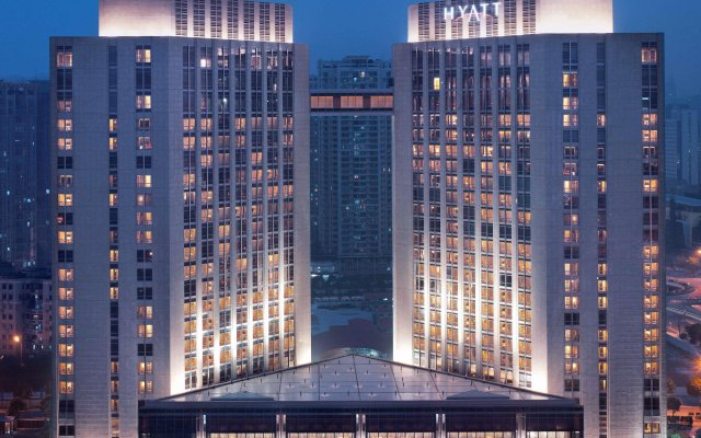 Отель Grand Hyatt Guangzhou вид на фасад
