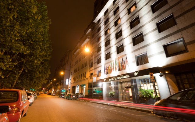 City Life Hotel Poliziano вид на фасад