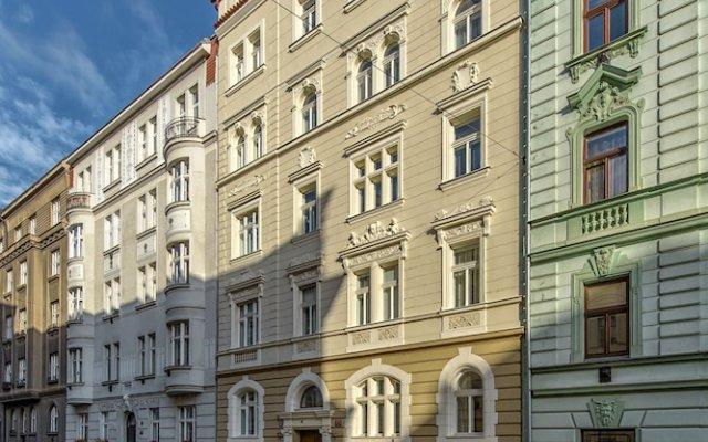 Residence Dobrovskeho 30