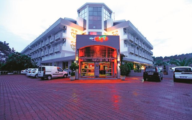 Отель Carelta Beach Resort & Spa вид на фасад
