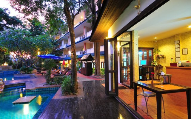 Отель Gazebo Resort Pattaya вид на фасад