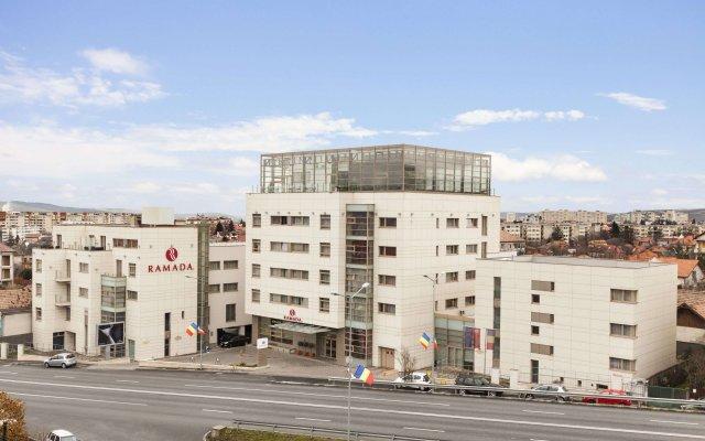 Ramada Hotel Cluj вид на фасад