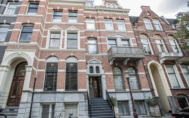 Hotel Roemer Amsterdam вид на фасад